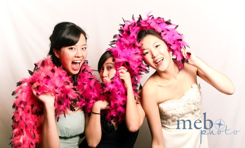 Who knew you can have so much fun with a feather boa!