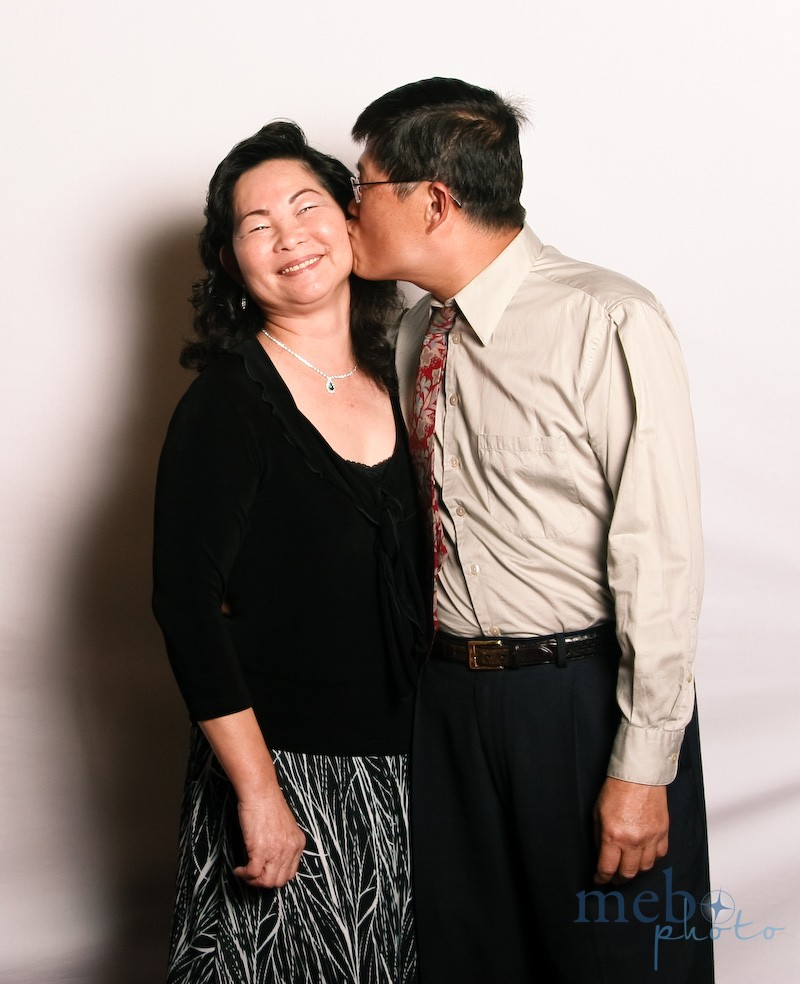 Isn't it cute when married couples are still kissing yearrrs later?