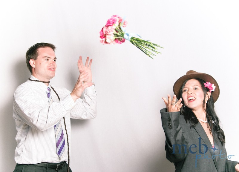 Who says guys aren't allowed to catch bouquets?