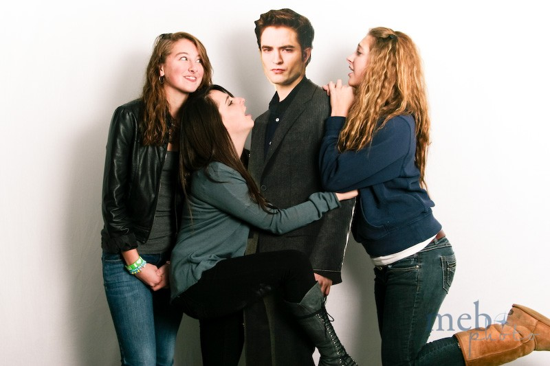 Edward Cullen sure is popular with the girls!