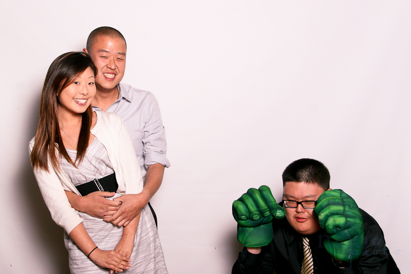 This is what it looks like when The Hulk photo bombs
