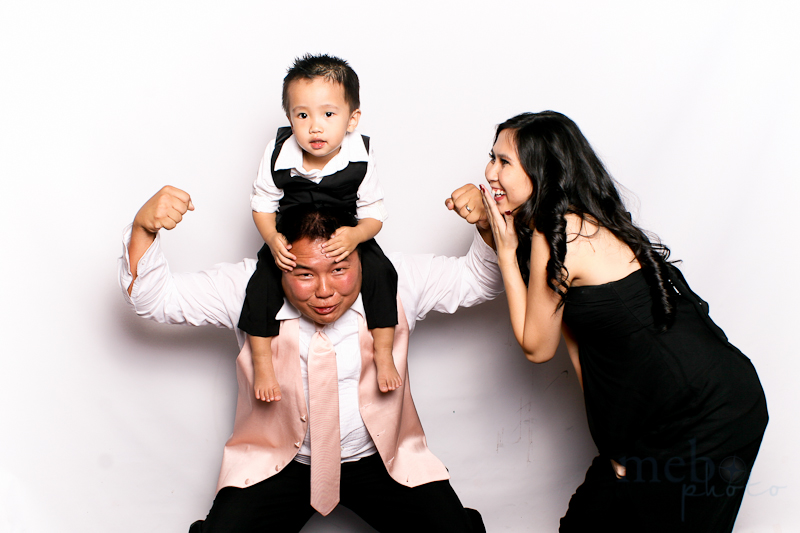 MeboPhoto-James-Amanda-Wedding-Photobooth-3