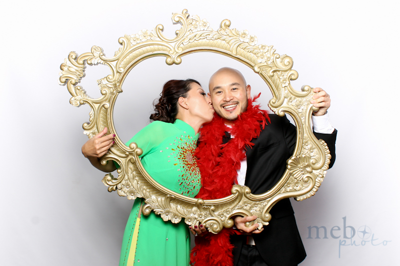 MeboPhoto-Johnson-Vy-Wedding-Photobooth-35