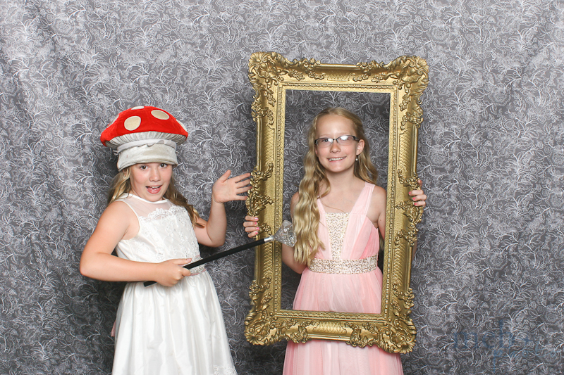 MeboPhoto-George-Sarah-Wedding-Photobooth-25
